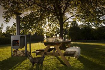 HARRIE LEENDERS Spot - nerezový venkovní krb, černý lak, včetně dřevníku - 3
